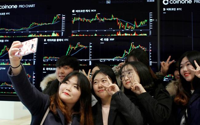 Sợ bị sa thải, chê lương 'bèo bọt', nhiều người trẻ liều mình đầu tư để nghỉ hưu năm 30 tuổi ở Hàn Quốc