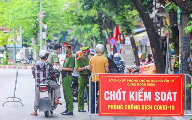 Tại sao cấp giấy phép đi đường tại Hà Nội lại là một việc khó?