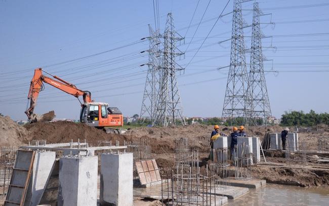Nhiều công trình đầu tư xây dựng của EVN 'gặp khó' do COVID-19