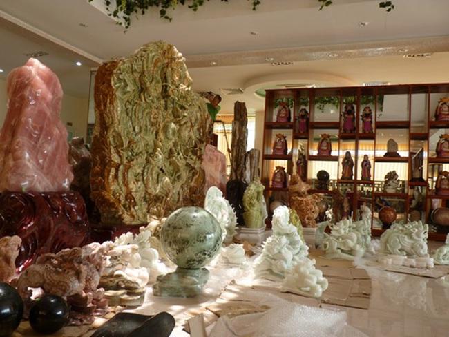 Ông chủ Dũng Tân và Trung tâm thương mại Tranh đá quý - Đá phong thủy - Cây cảnh lớn nhất miền bắc