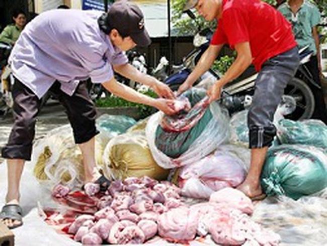 """Nhức nhối an toàn vệ sinh thực phẩm: """"Tổng kho"""" thịt thối đường biên"""