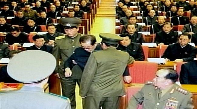 Hàng trăm thân nhân của chú ông Kim Jong Un bị bỏ tù?