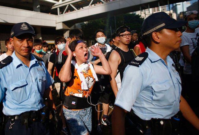 Thị trường tài chính Hong Kong mất 11,48 tỉ USD