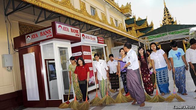 Ngân hàng ngoại khó làm ăn ở Myanmar