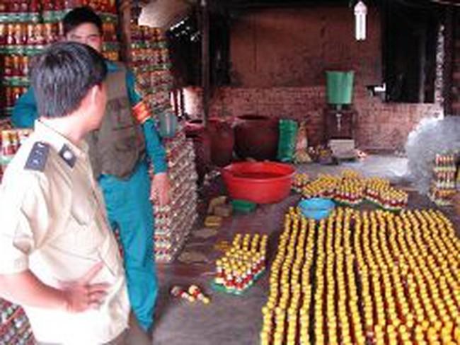 Phát hiện lò sản xuất gia vị quy mô lớn bằng hóa chất Trung Quốc