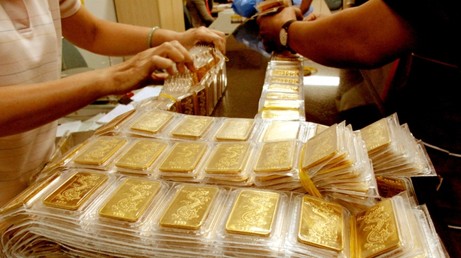 Huy động vàng để giảm vàng hóa?
