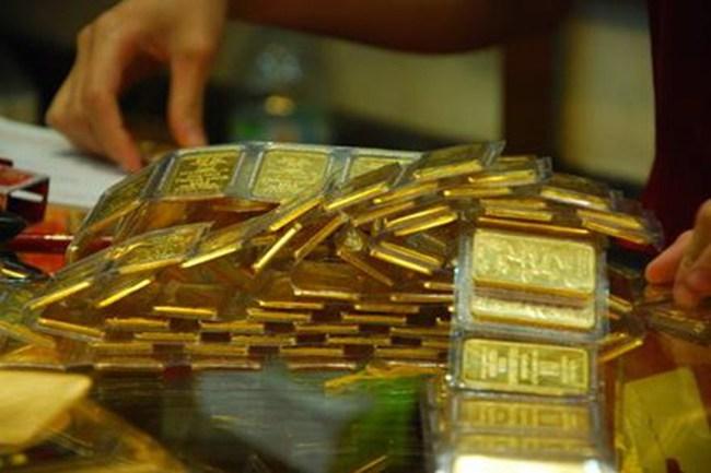 Vàng trong nước còn đắt hơn thế giới 3 triệu đồng/lượng