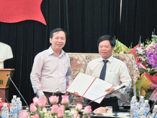 Công bố các quyết định về tổ chức hoạt động và bổ nhiệm cán bộ lãnh đạo Nhà máy In tiền Quốc gia