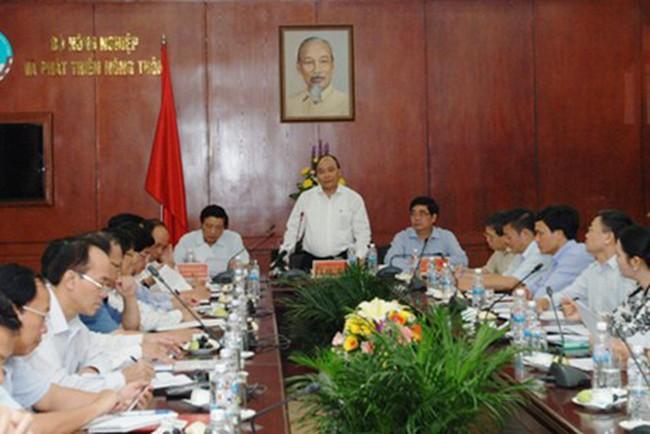 Cách chức, chuyển công tác một số cán bộ sai phạm thuộc Bộ NN&PTNT
