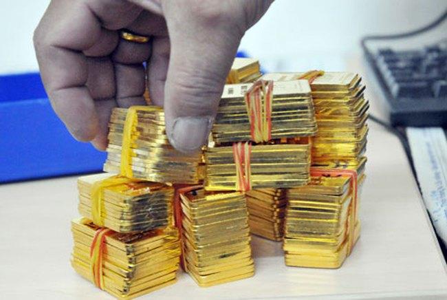 Ngày 9/9: Giá vàng giảm mạnh, USD ngân hàng và tự do cùng tăng