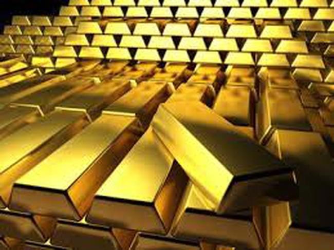 Giá vàng thế giới lại sụt mạnh