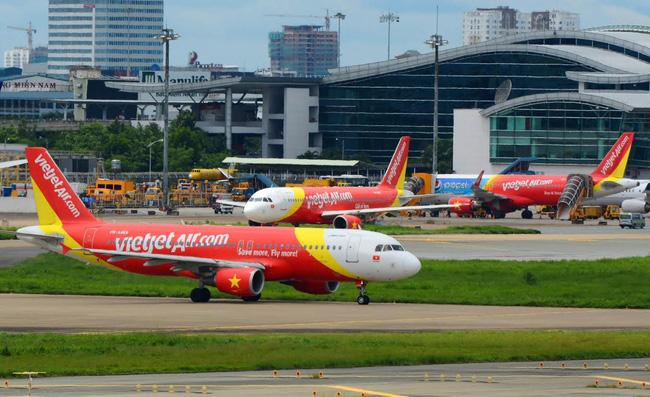 Vietjet phải hủy 2 chuyến bay do chim trời va vào tàu bay