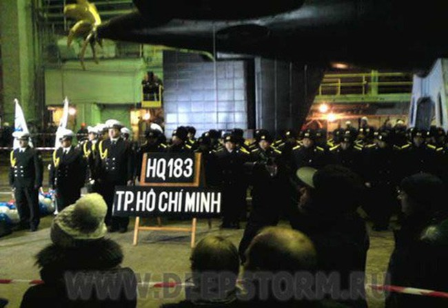 Sự trùng hợp trong những lễ hạ thủy tàu ngầm Kilo Việt Nam
