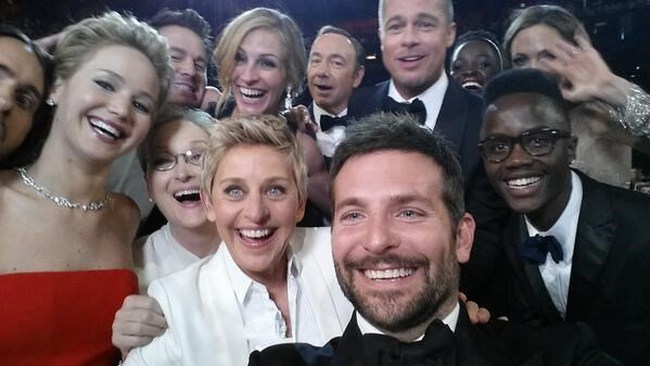 Samsung trả 3 triệu USD cho bức ảnh 'tự sướng' tại Oscar