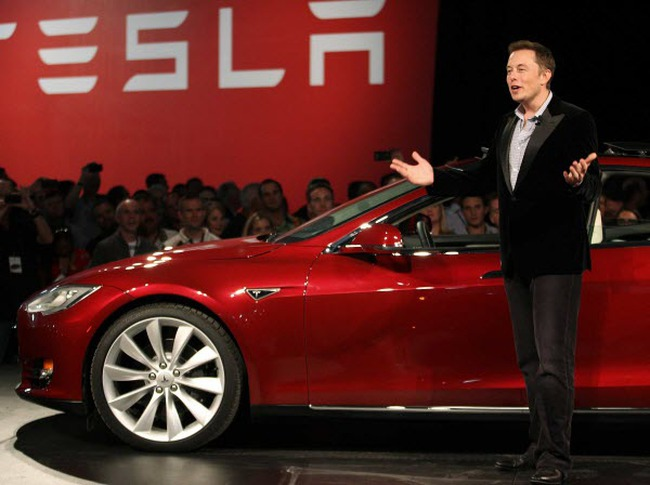 Vì sao CEO Elon Musk tạo dựng hãng xe điện Tesla dù từng nghĩ công ty sẽ thất bại?