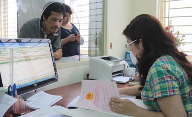 """Hàng loạt chủ đầu tư """"nợ"""" sổ đỏ khách hàng tại Hà Nội"""