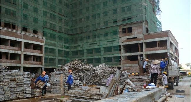 """Bất động sản khó khăn, nhiều dự án vẫn tăng tốc """"lội ngược dòng"""""""