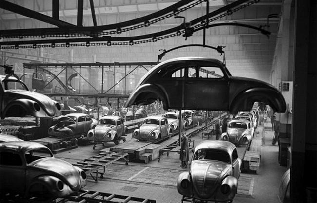 Đột nhập nhà máy sản xuất ô tô của Volkswagen giai đoạn sau Thế chiến II