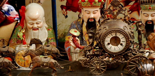 Thế giới đồng hồ cổ có một không hai tại chợ Tết Hà Nội