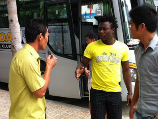 Hơn 300 cầu thủ Việt thất nghiệp, ra đường kiếm sống