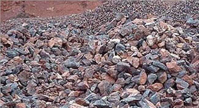 Quảng Ninh: Khởi tố vụ án xuất lậu 3.000 tấn quặng