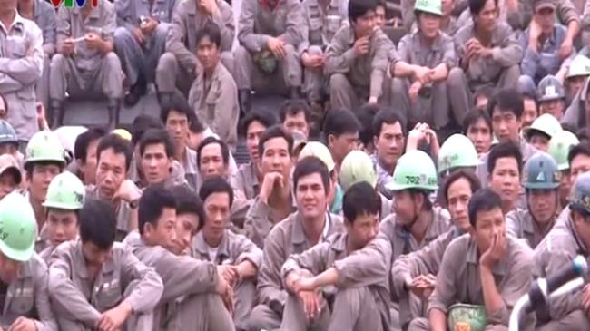 Ngừng việc tập thể tại nhà máy đóng tàu Huyndai Vinashin