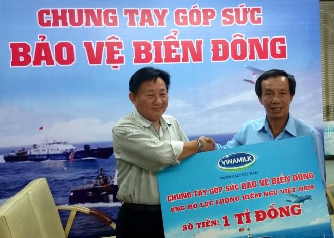 Vinamilk tiếp tục ủng hộ cán bộ chiến sỹ kiểm ngư bảo vệ chủ quyền Biển Đông