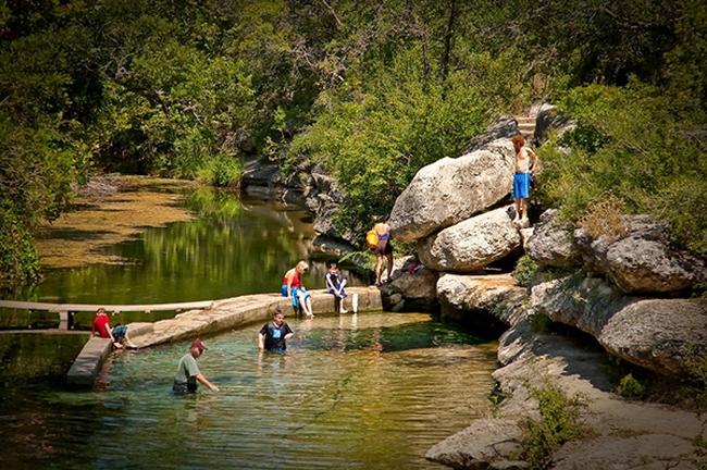Những cú nhảy nguy hiểm tại giếng Jacob, Texas