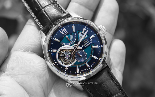 Đồng hồ Orient Star automatic đắt đỏ, nhiều tính năng độc lạ