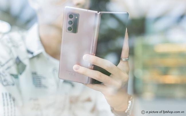 FPT Shop tặng đặc quyền siêu cao cấp cho khách đặt trước Galaxy Z Fold2