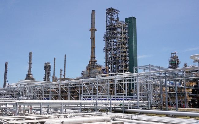 NMLD Dung Quất sản xuất sản phẩm đầu tiên sau bảo dưỡng tổng thể