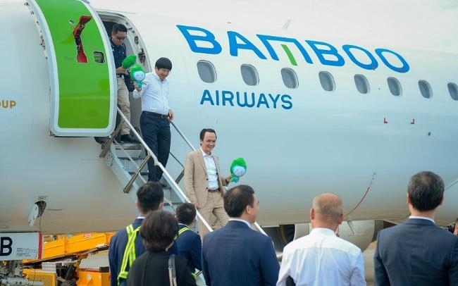 Chủ tịch Bamboo Airways cùng hành khách bay thẳng Hà Nội - Côn Đảo ngày khai trương