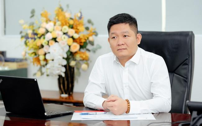 Tùng Trí Việt mua TVC liên tục