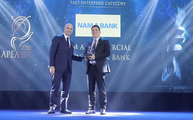 """Nam A Bank nhận """"cú đúp"""" giải thưởng tại Lễ trao giải APEA 2020"""