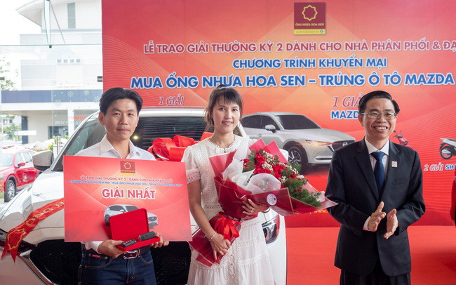 Tập đoàn Hoa Sen trao thưởng kỳ 2 cho các nhà phân phối, đại lý