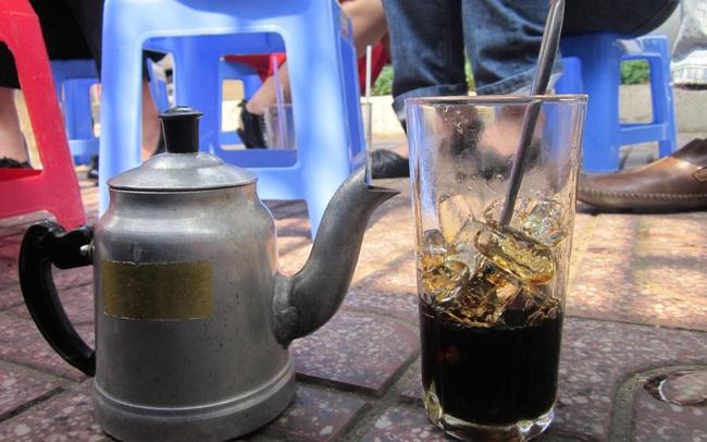 Máy làm đá viên Hải Âu cho ly cà phê đá viên sạch đúng nghĩa