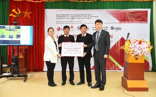 LG tặng hơn 2 tỷ đồng cải thiện nơi ở cho dân tộc Mường