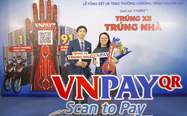 Khách hàng VietinBank iPay vừa trúng căn hộ cao cấp khi thanh toán QR Pay