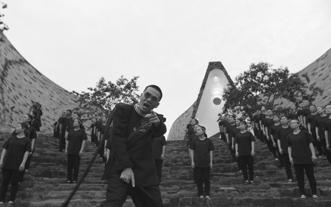 Wowy và MV Hướng Dương truyền động lực cho giới trẻ