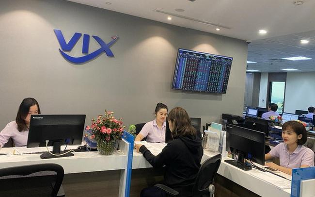 Chuyển mình mạnh mẽ, VIX vượt mục tiêu năm 2020