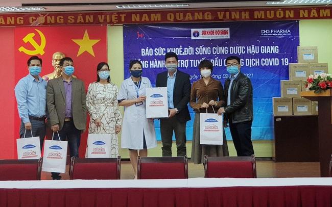 50.000 chai gel rửa tay kháng khuẩn trợ lực 3 tỉnh chống dịch ngày sát Tết
