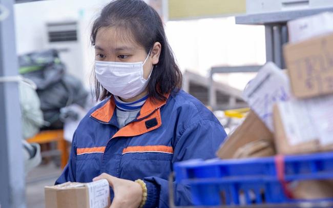 """EMS Việt Nam """"quyết"""" đảm bảo lưu thoát hàng hóa dịp cao điểm cuối năm"""