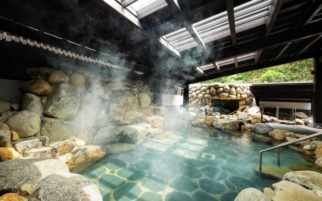"""Nguồn khoáng nóng của biệt thự """"triệu đô"""" Sun Onsen Village  - Limited Edition có gì đặc biệt?"""