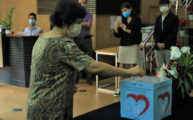 PNJ nỗ lực tìm nguồn vaccine covid để tiêm ngừa miễn phí cho toàn thể nhân viên