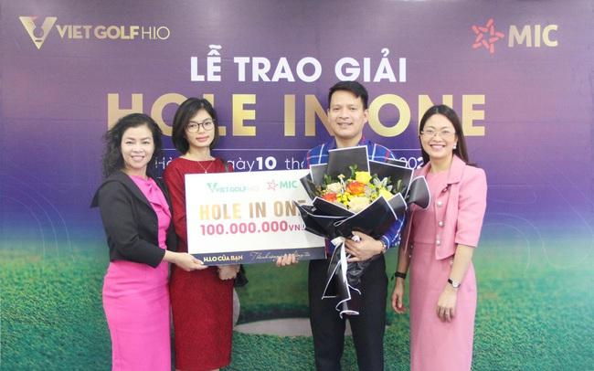 Bảo hiểm Quân đội trao giải Hole In One 100 triệu đồng sau 5 ngày trúng HIO