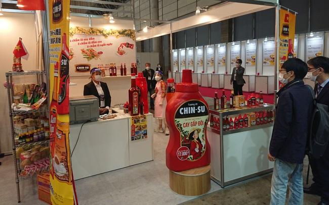 Tương ớt Việt Nam xuất hiện nổi bật tại triển lãm thực phẩm và đồ uống