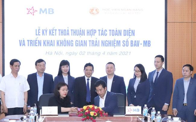MB ký kết thỏa thuận hợp tác toàn diện với Học viện Ngân hàng