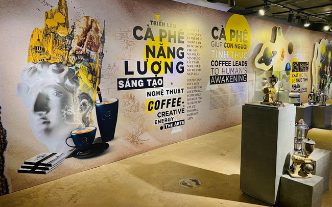 Công trường xây dựng trở thành đại triển lãm cà phê ngoài trời