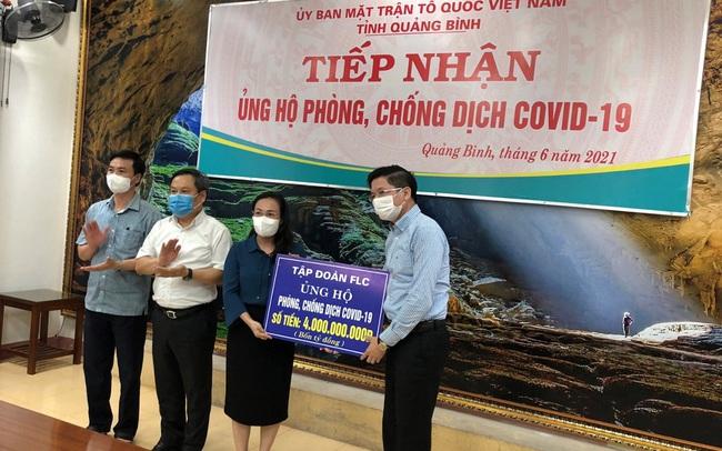 FLC tiếp tục ủng hộ Quảng Bình 4 tỷ đồng tiền mặt phòng chống Covid - 19