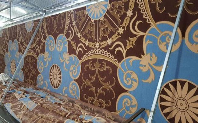 Tấm thảm trải sàn dệt theo thiết kế có diện tích hơn 1000m2